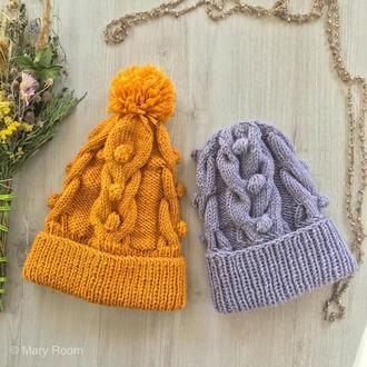 Весенняя вязаная шапка