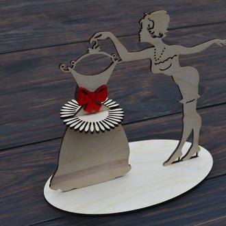 """Салфетница из дерева, деревянная салфетница, танцовщица, Салфетница """"Девушка с платьем"""""""