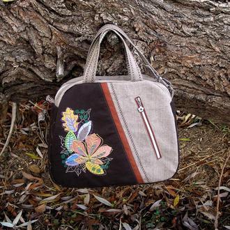 Текстильная сумка с вышивкой.