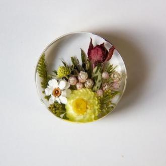 Кулон с цветочной композицией