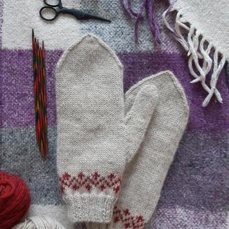 Варежки с орнаментом, светлые варежки, теплые рукавицы