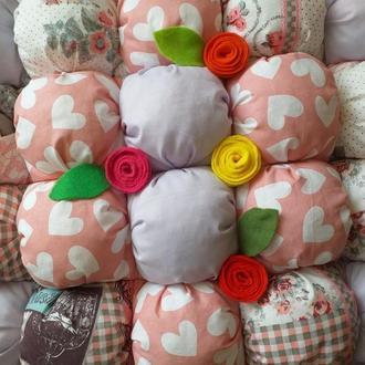 Подушка помпон
