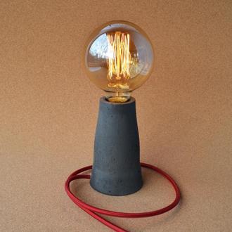 Светильник ручной работы из бетона