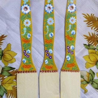 Лопатка деревянная Петриковская роспись Нежность