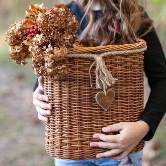 Красивая овальная плетеная корзина коричневого цвета Настенная плетеная корзина