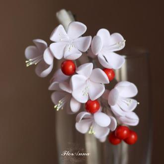 """""""Цвет вишни"""" заколка с цветами из полимерной глины."""