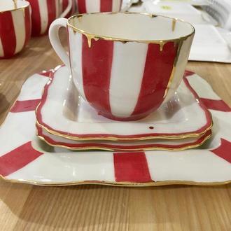 Чайная чашка с блюдцем. роспись. По краю разлито золото