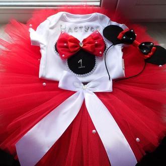 Наряд в стиле минни маус: бодик (футболка), юбка пачка, аксессуар