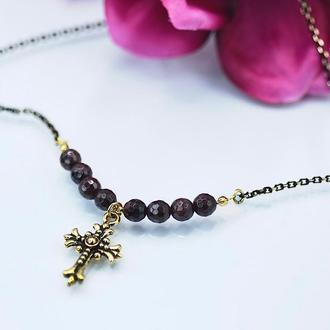 Ожерелье с граненым гранатом