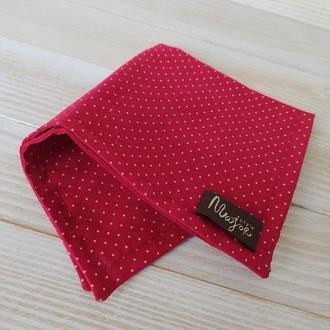Красный нагрудный платок Паше в горох