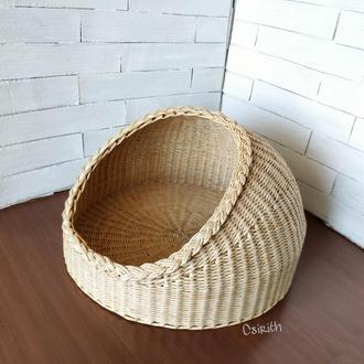 Плетеная корзина для кошки или кота
