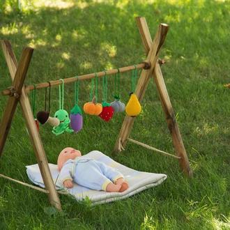 Деревянная подставка органайзер для детских игрушек из дерева
