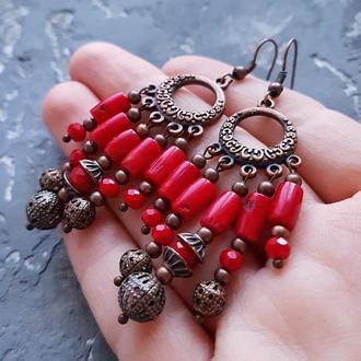 Сережки з натуральних коралів з кришталевими намистинками серьги для танцев из красного коралла