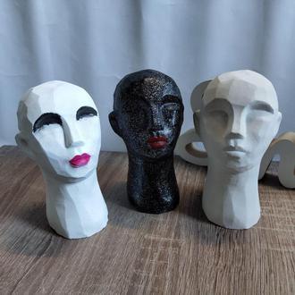 Декор из бетона. Декоративная голова девушки. Скульптура