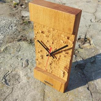 Настенные и настольные часы, два в одном