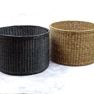 Большая плетеная корзина в черном цвете
