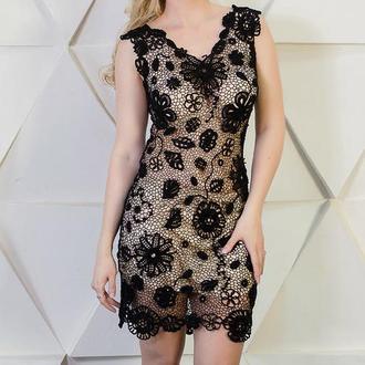 Маленькое черное платье ирландским кружевом