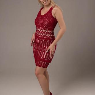 Красное вязаное платье крючком