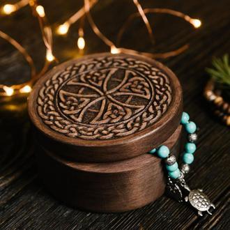 Шкатулка для украшений с кельтчским орнаментом