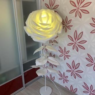 """Белый торшер """"Гигантская роза"""" со цветной светодиодной лампой / Светильник-ночник для дома"""