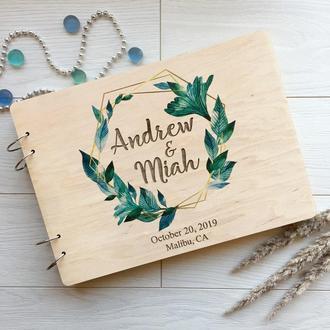 Деревянная свадебная книга с цветной печатью и гравировкой на заказ