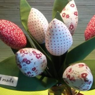 Подарочный букет из текстильных тюльпанов