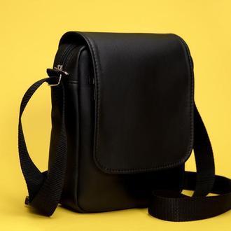 Мужская черная сумка мессенджер