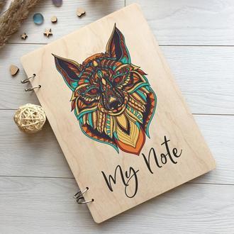 Необычный деревянный блокнот с изображением лисы