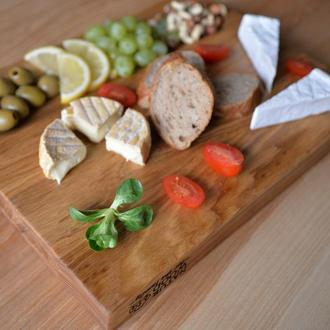 Дерев`яна кухонна дошка Natur Wood для нарізки та подачі страв
