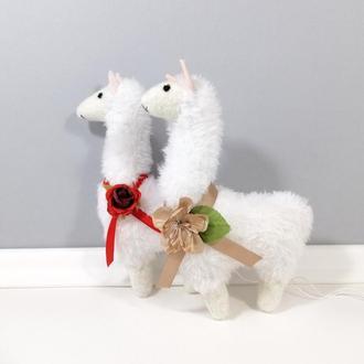 Цветочная Лама Стильный белый декор Мягкая игрушка альпака