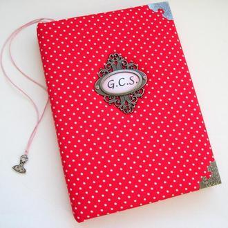 Красный блокнот ручной работы с розовыми листами