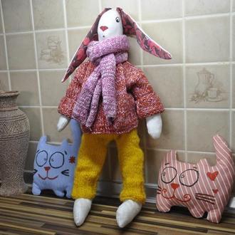 Заяц тильда, кролик в вязаной одежде
