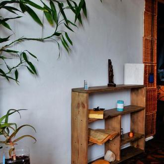 """Маленькая этажерка для книг ручной работы """"Сказка странствий"""""""