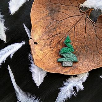 Геометрична брошка зелена Ялинка. Авторская необычная брошь Ёлка. Брошь Ель
