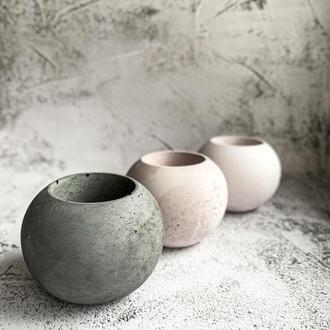 Бетонный горшок в форме шара. Кашпо из бетона