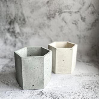 Кашпо из бетона. Бетонный горшок для цветов и мха