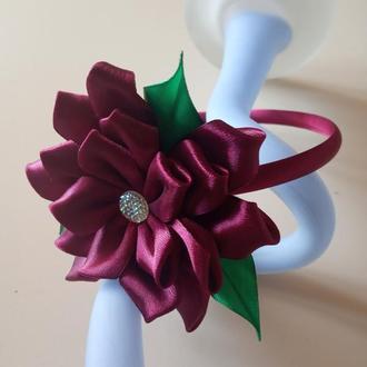 Обруч для волос с цветком из атласной ленты