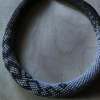 Лариат (ожерелье из бисера)