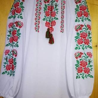 белая шифоновая вышиванка с розами