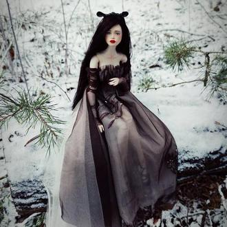 Художественная шарнирная кукла