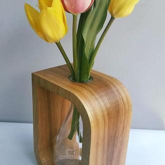 Деревянная ваза для цветов