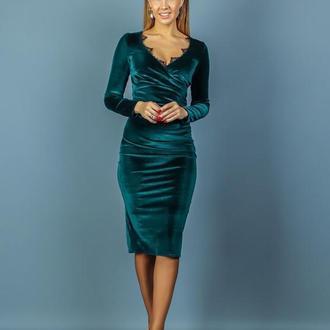 Платье с кружевами NOBILITAS 42 - 48 зеленое бархат (арт. 20001)
