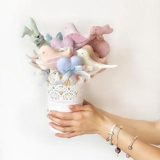 Весняний букет великодній декор композиція Зайчик пташка сердечко