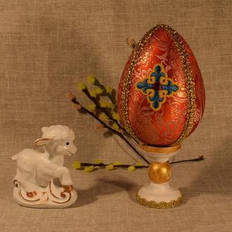 Яйцо пасхальное на подставке