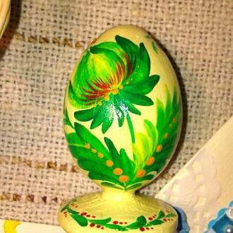 Яйце пасхальне в весняних кольорах