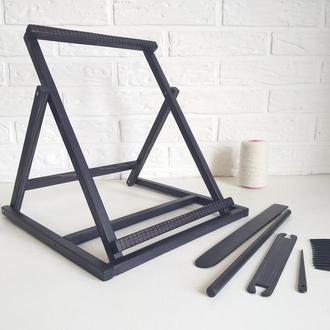Станок и комплект инструментов для создания гобеленов, панно, украшений.