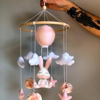 """Детский мобиль на кроватку """"Зайчик на воздушном шаре"""", Комната девочки, Мобиль зайка, Розовый мобиль"""