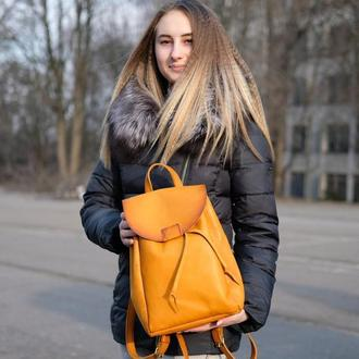 Женский рюкзак на затяжках с свободным клапаном цвет Янтарь