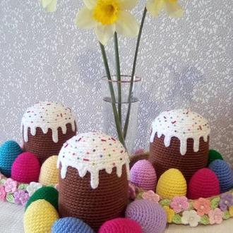 Пасхальная композиция вязаная - кулич и яйца в корзинке
