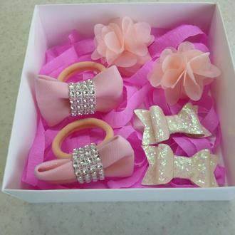 Набор резинок и заколок в подарочной упаковке